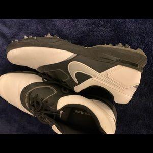 Nike men's golfing shoes 10.5